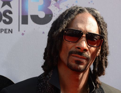 Snoop Dogg spara al clown Ronald Trump, il video..