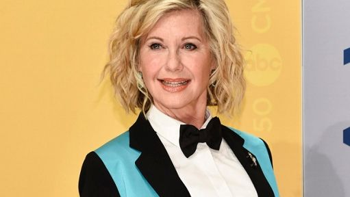 Olivia Newton-John ha un tumore, la star di Grease interrompe il tour