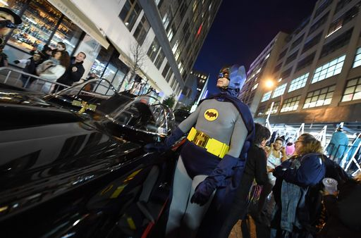 Addio Adam West, l'unico Batman della Tv