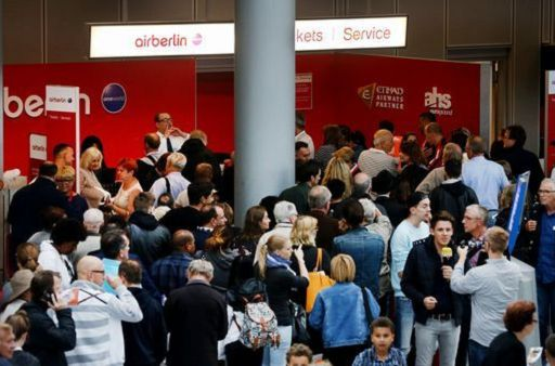 Air Berlin, piloti in rivolta: 70 voli cancellati
