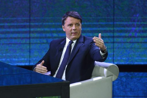 Renzi, escludo larghe intese col Cav