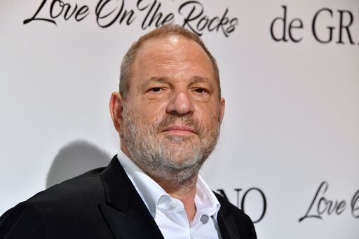 YOUTUBE Harvey Weinstein aggredito e preso a schiaffi in un ristorante